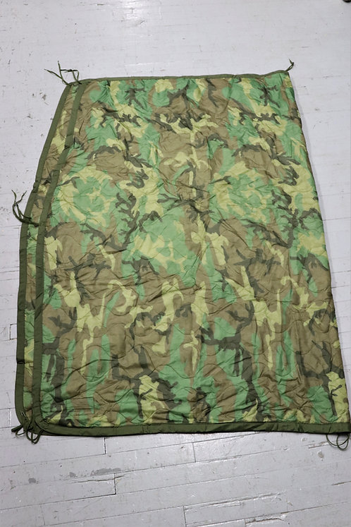 """CANADIAN ISSUED """"WOOBIE"""" PONCHO LINER"""