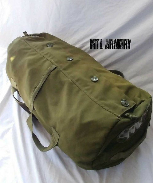 CANADIAN FORCES ISSUED DUFFLE BAG