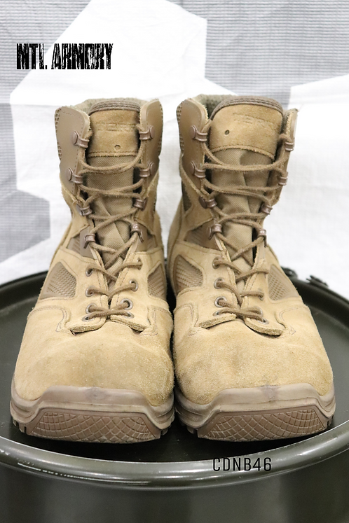 CANADIAN ISSUED TERRA BOOTS SIZE 295/108