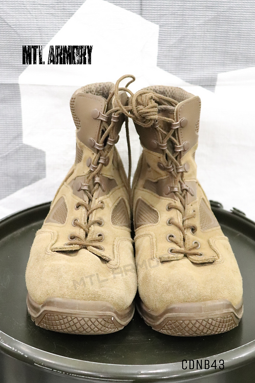 CANADIAN ISSUED TERRA BOOTS SIZE 275/112 (9.5)