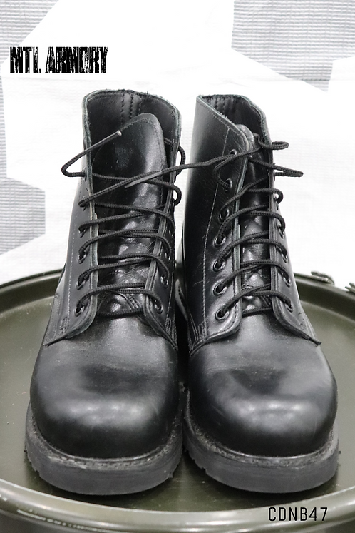 CANADIAN FORCES ANKLE\ PARADE BOOTS SIZE 240/90 (6)