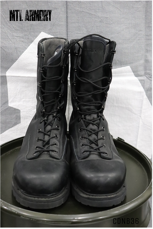 CANADIAN MK4 BOOTS SIZE 270/114