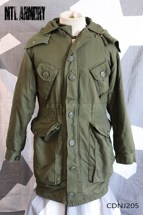CANADIAN FORCES ISSUED ECW PARKA SIZE SMALL-REGULAR