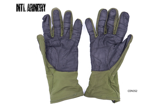 CANADIAN FORCES MORTAR GLOVES  SIZE SMALL