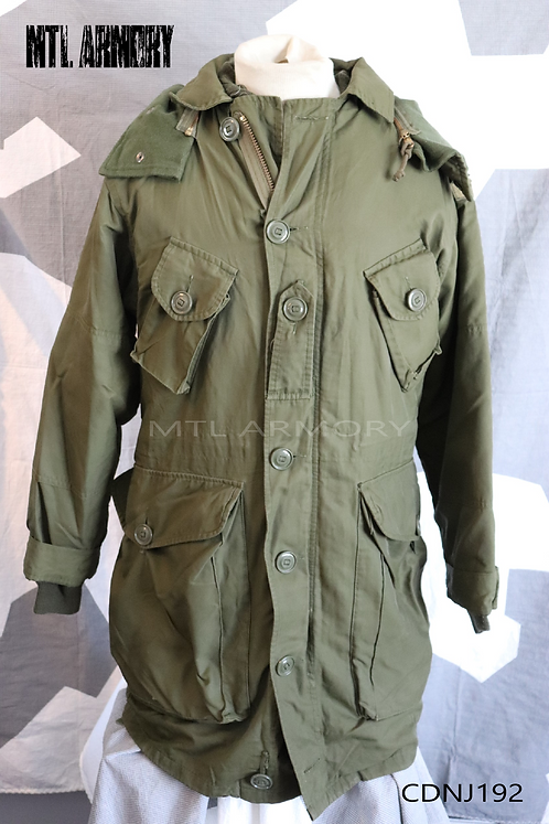 CANADIAN FORCES ISSUED ECW PARKA SIZE SMALL-LONG