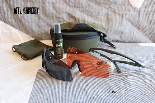 CANADIAN FORCES REVISION GLASSES KIT