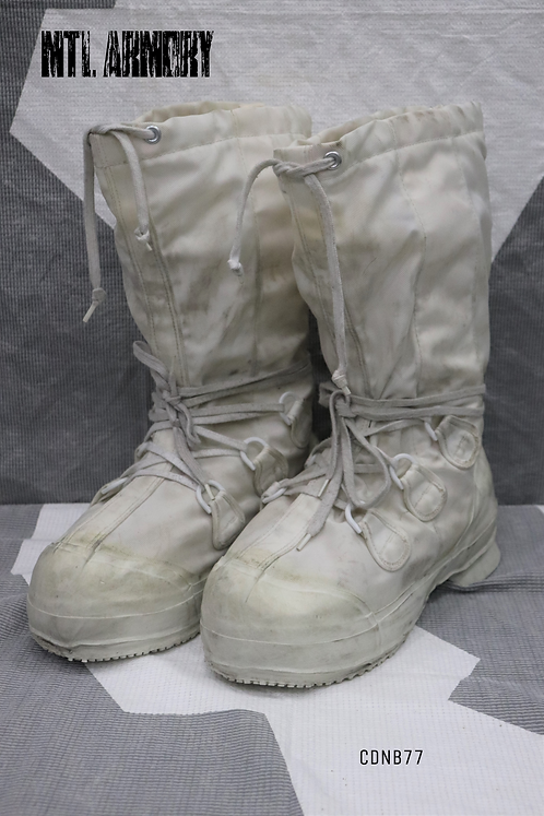 CANADIAN FORCES MUKLUK BOOTS SIZE 7