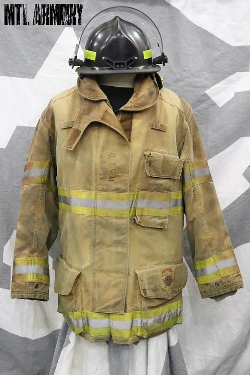CANADIAN DEPARTMENT OF NATIONAL DEFENCE FIREFIGHTER BUNKER SET