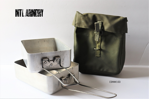 CANADIAN MESS KIT WITH 82 PATTERN UTILITY POUCH