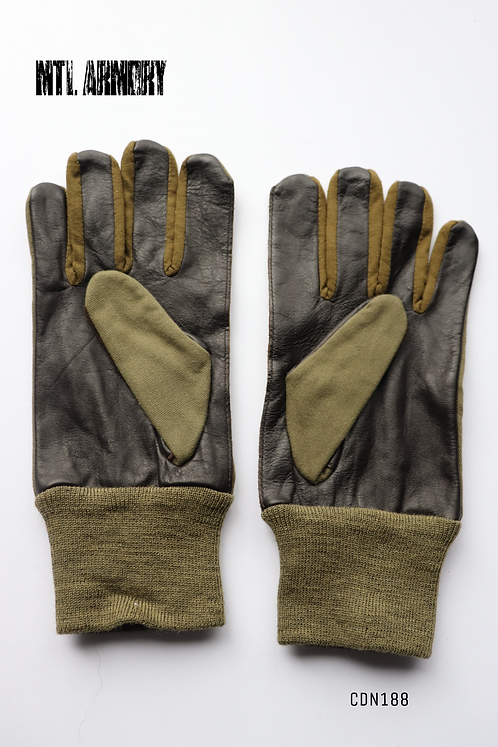 CANADIAN  GLOVES SIZE SMALL