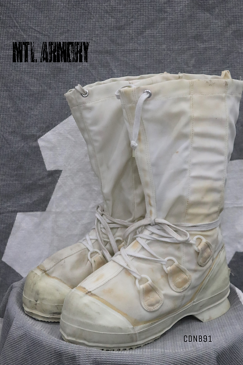 CANADIAN FORCES MUKLUK BOOTS SIZE 8N