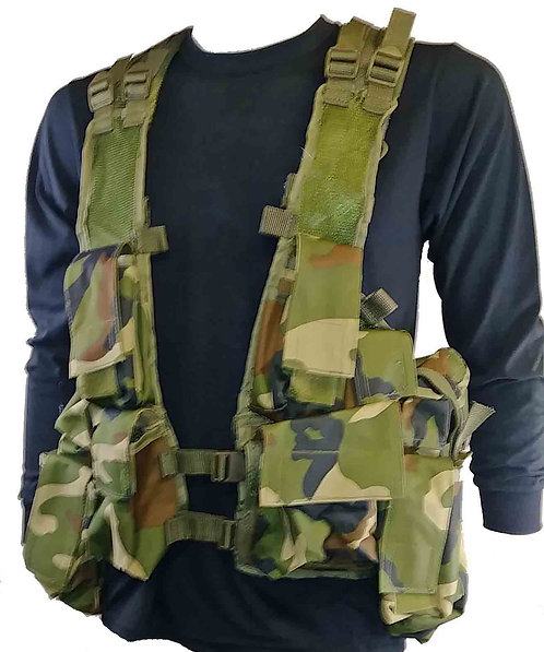 WOODLAND CAMO TACTICAL VEST