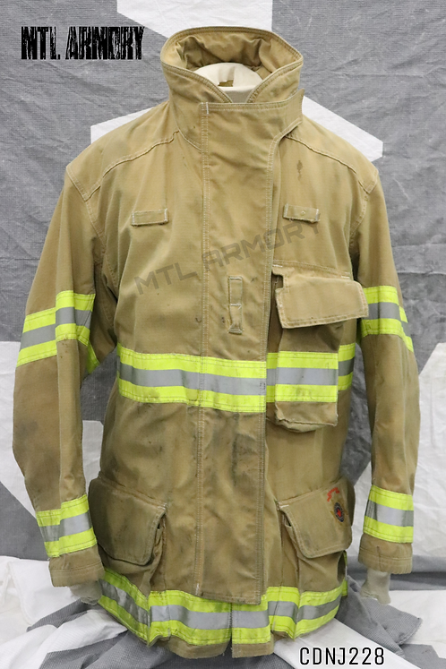 CANADIAN DEPARTMENT OF NATIONAL DEFENCE FIRE FIGHTER JACKET SIZE 7648