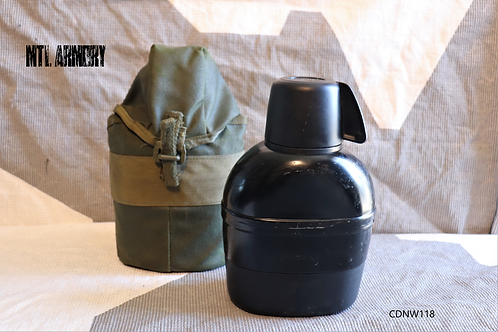 CANADIAN FORCES CANTEEN WITH 82 PATTERN CARRIER