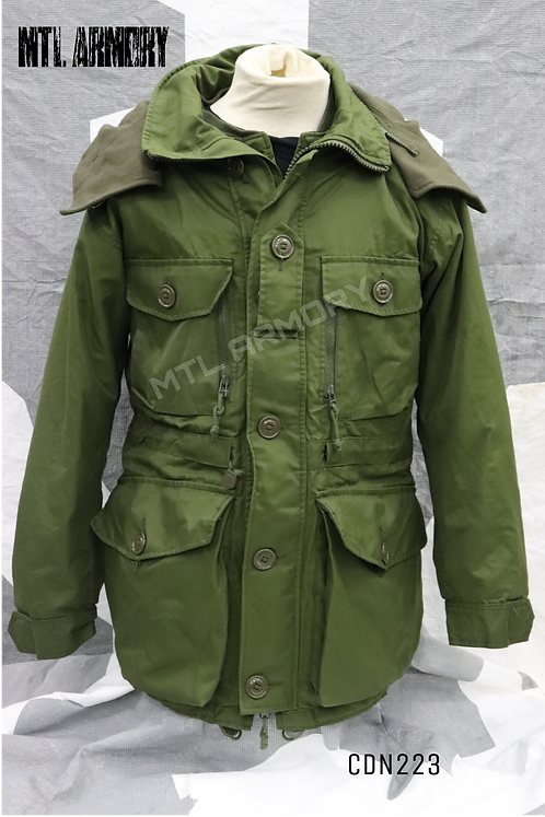CANADIAN ISSUED OD GORE-TEX EXTREME COLD WEATHER PARKA  SIZE 7036