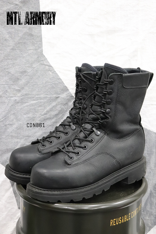 CANADIAN FORCES BLACK STEEL TOE BOOTS SIZE ( 250 / 98  )