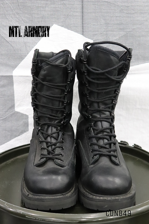 CANADIAN ISSUED GORE-TEX BOOTS SIZE 240/90 (6)