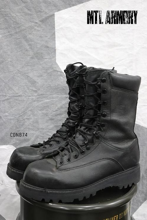 CANADIAN FORCES BLACK GORE-TEX COMBAT BOOTS SIZE ( 270/106) )