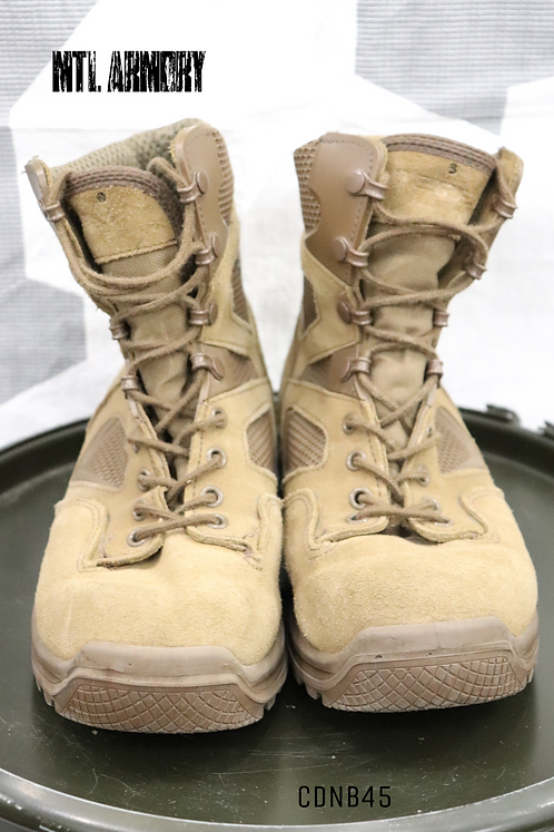 CANADIAN ISSUED TERRA BOOTS SIZE 250/106 (7)