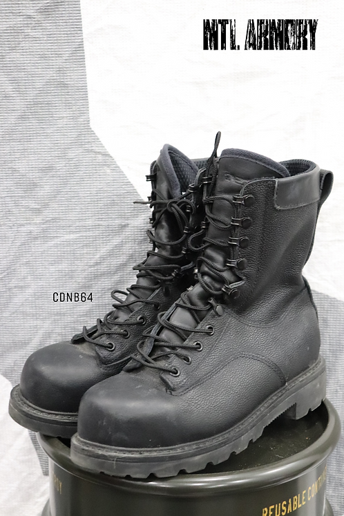 CANADIAN FORCES BLACK STEEL TOE BOOTS SIZE ( 255 / 104 )