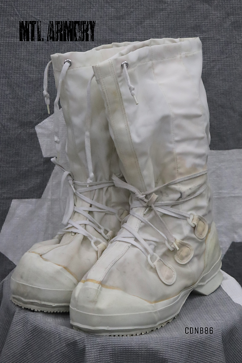 CANADIAN FORCES MUKLUK BOOTS SIZE 11