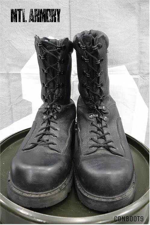 CANADIAN ISSUED GORE-TEX BOOTS SIZE 280/114 (10)