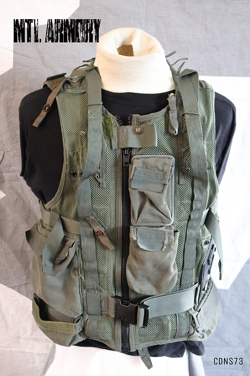 CANADIAN FORCES HELICOPTER SURVIVAL VEST SIZE MEDIUM
