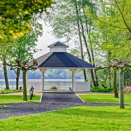 Neuer Hochzeitspavillon mit Blick auf den See GochNess und neue Ansprechpartnerin