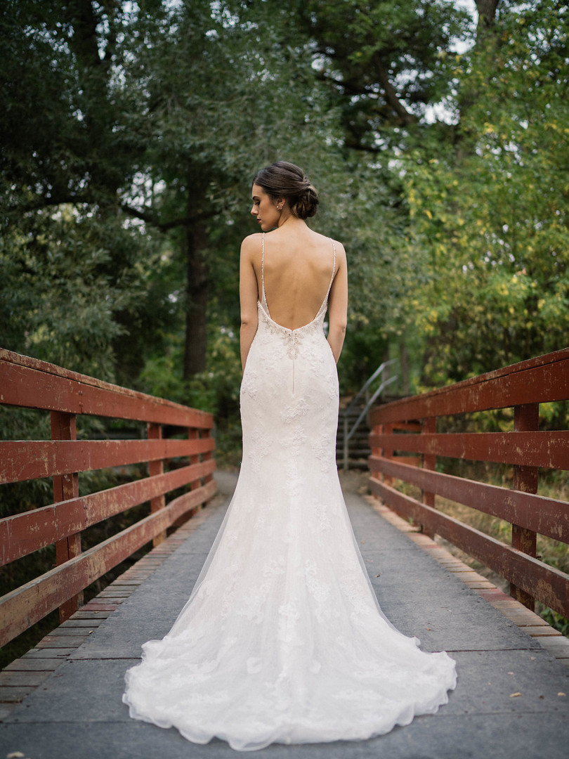 Light weight lace with a low back.