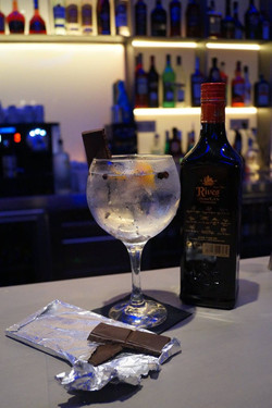 Chocolate Gin&Tonic with Rives Premium