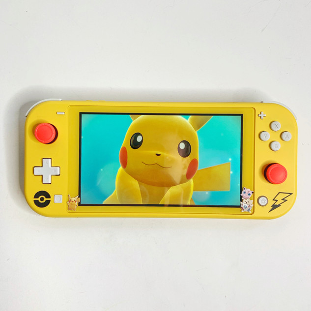 Pikachu Switch Lite