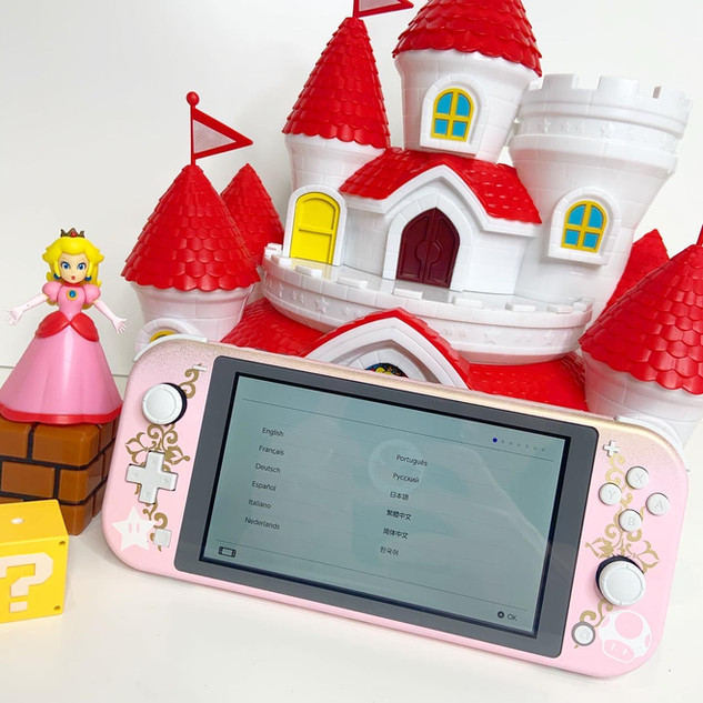 Princess Peach Switch Lite