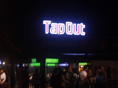 tapoutsignnight.jpg