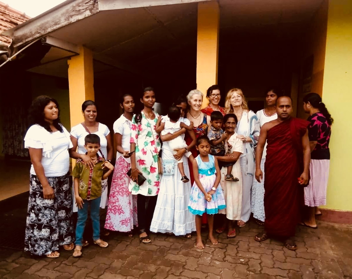 Sri Lanka retreat alms giving