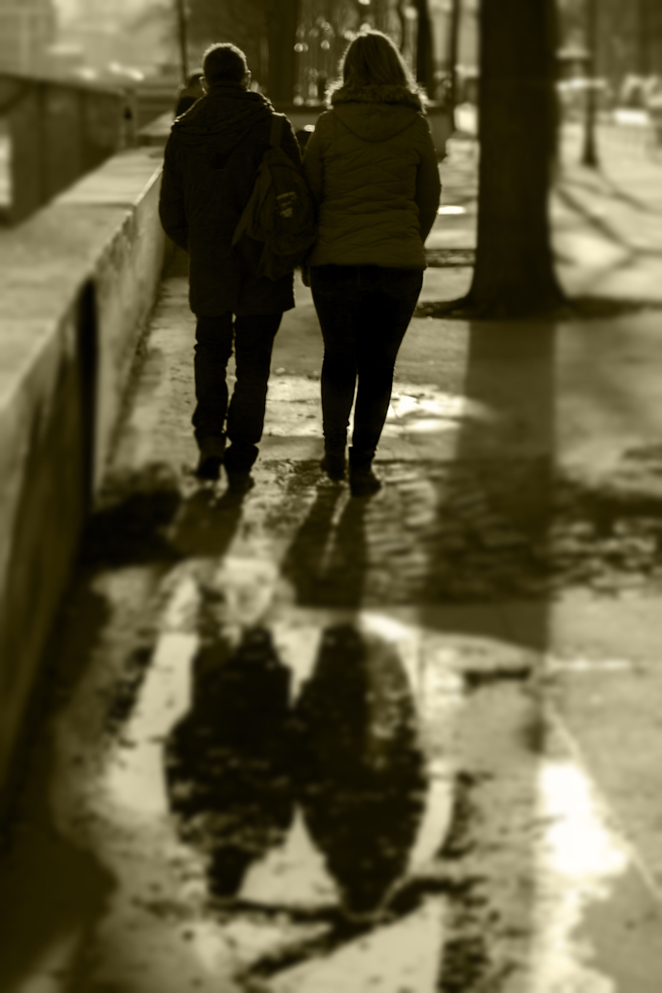 Paris_coupleSepia001_b