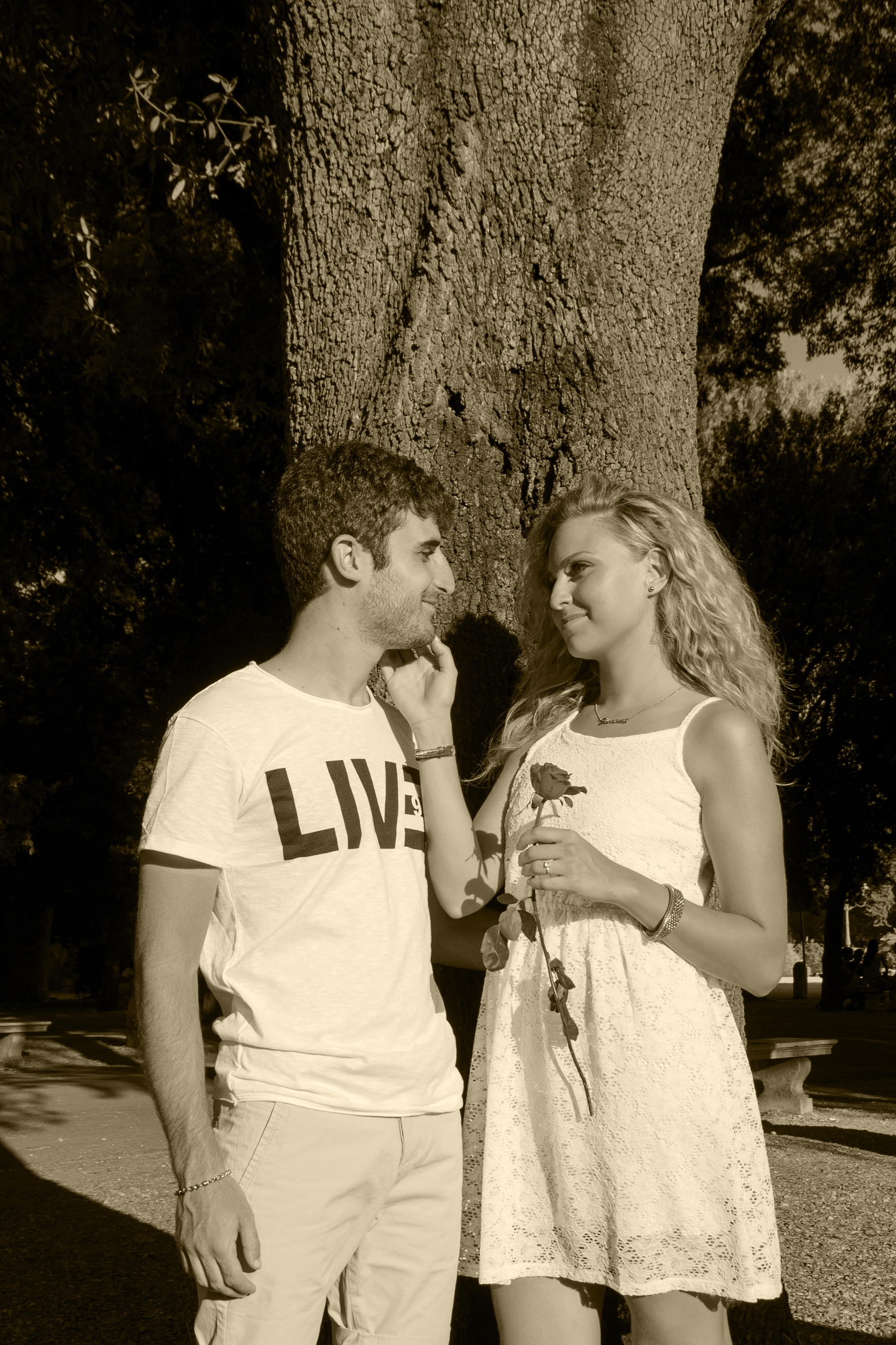 Rome_couple0034_sepia