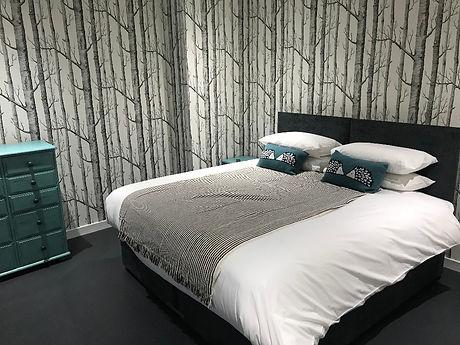 Ynot Inn room