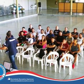 Curso de Árbitros com o instrutor da FIFA Cleber Abade