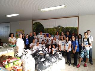 Jovens da AIPA durante Gincana realizam campanhas de brinquedos, agasalhos e alimentos