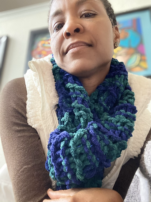 Handmade knit scarf (unisex)