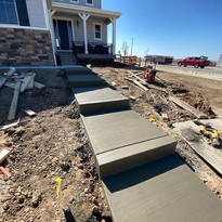 concrete sidewalk with broom finish