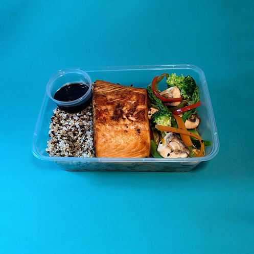 Salmon with quinoa and vegetables