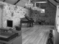 gus studio 1 .jpg