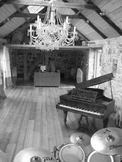 gus studio 2.jpg