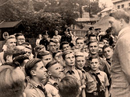"""""""Crianças do Reich"""" discutirá as estratégias de doutrinação na Alemanha Nazista"""