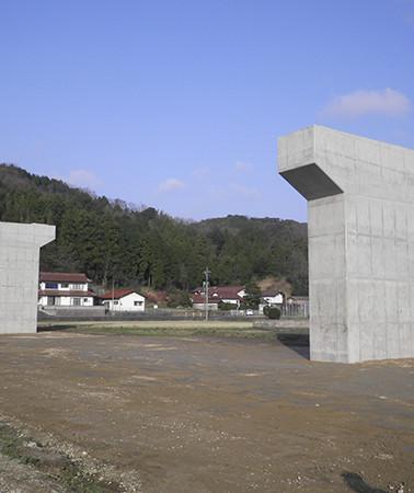 26101_出雲湖陵道路東神西第2高架橋下部工事(2).jpg
