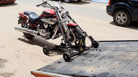 Reboque de moto com carrinho - Salvador Guinchos