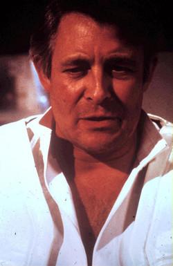 Paul Daneman as Dr Bellfriar