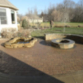 landscaping, fire pit in patio, patio with fire pit, landscape company cleveland, landscape comany north ridgeville