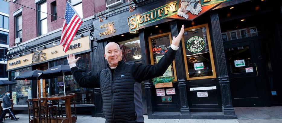 """Proprietário vende dois bares em Nova York por 25 bitcoins: """"está bombando"""""""